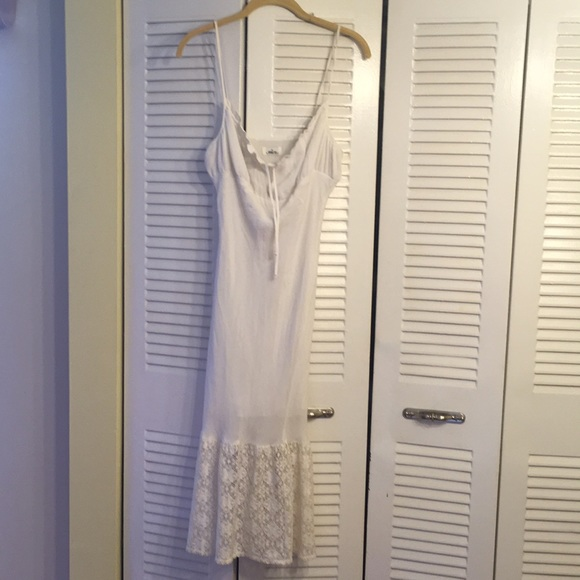 mica Dresses & Skirts - White summer dress w lace on bottom